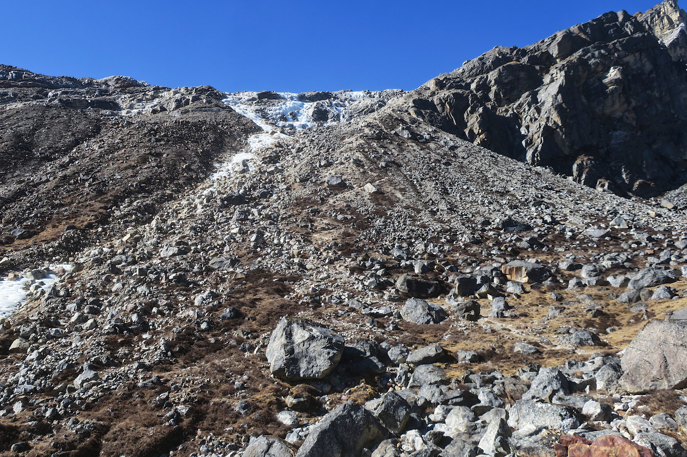 The trail up Renjo La looks tricky, but is actually really well marked with cairns.